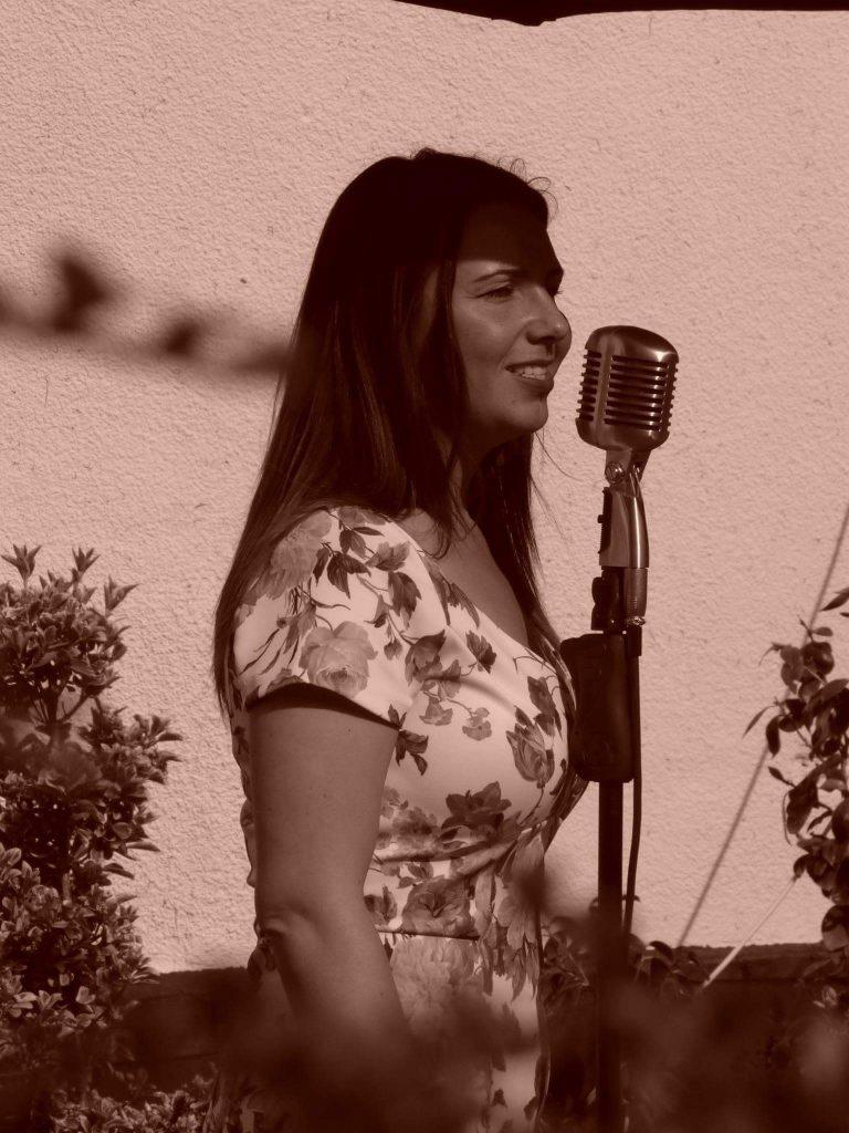 Clare Walker Sings........
